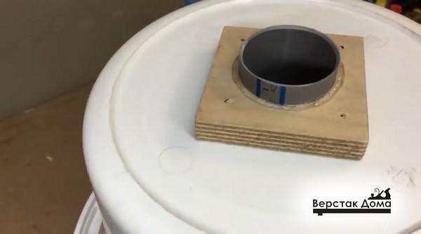 Установка патрубка на герметик